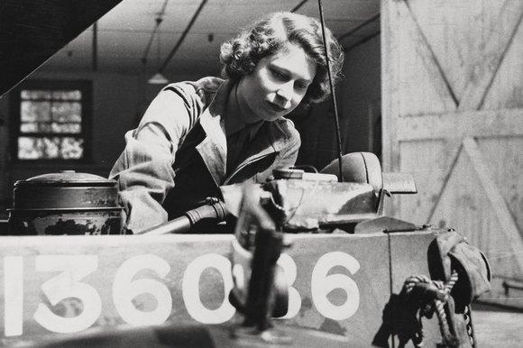 Queen backs drive to get more British women into engineering industry