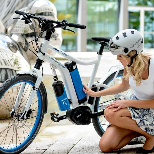 "Hydrogen fuel cells used to create ""e-bike"""