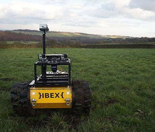 First tests for autonomous weed-destroying robot