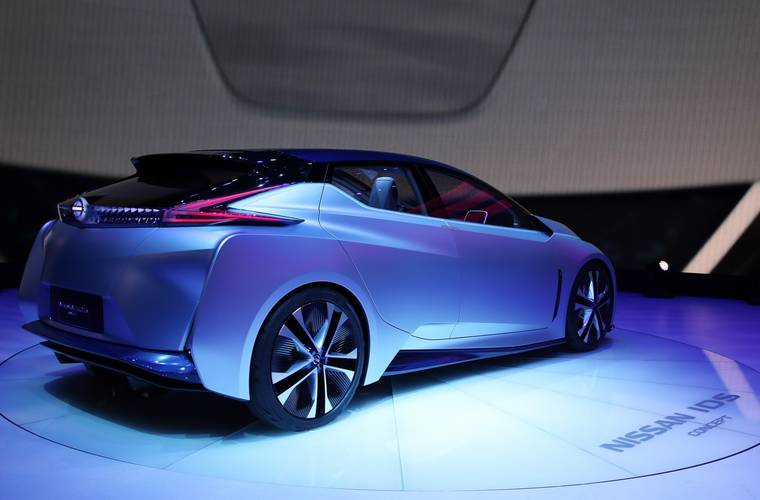 Nissan developing fuel cells to generate electricity without combustion