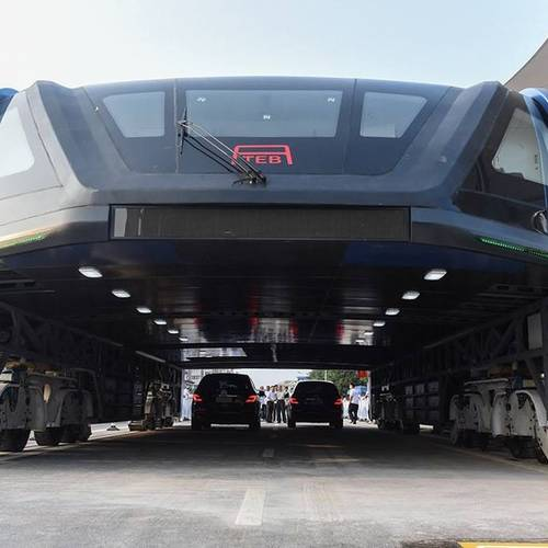 8 Reasons China's New Traffic-Straddling Bus Is So Fascinating
