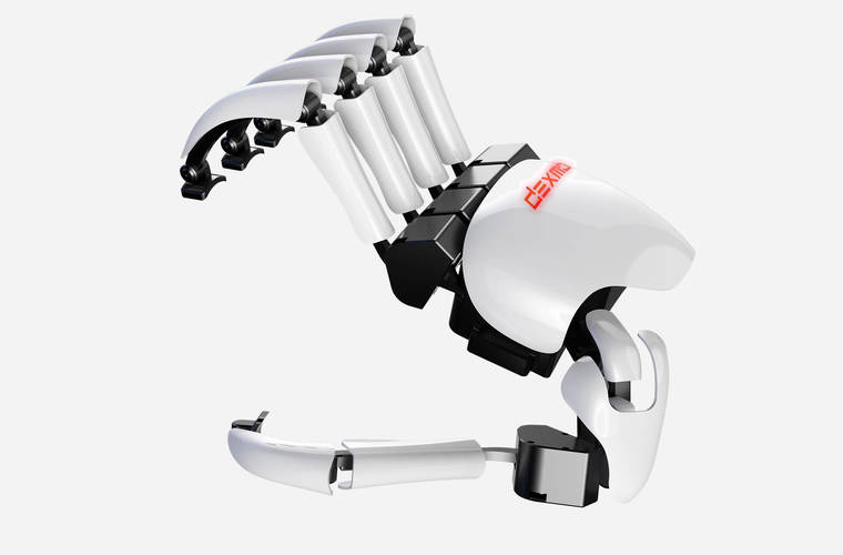 Dexta Robotics showcases exoskeleton glove