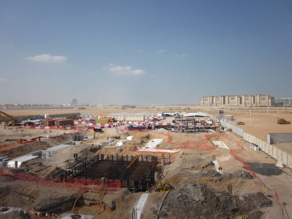 masdar_city_under_construction_2012