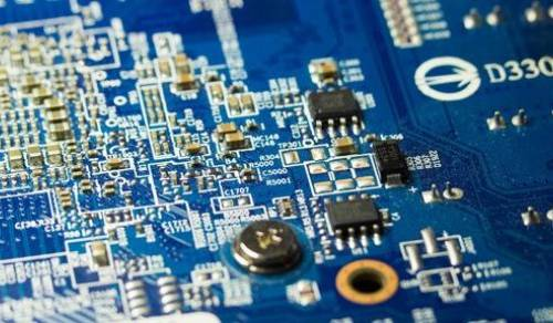 Cambridge Engineers have created a transistor that functions for years without a battery