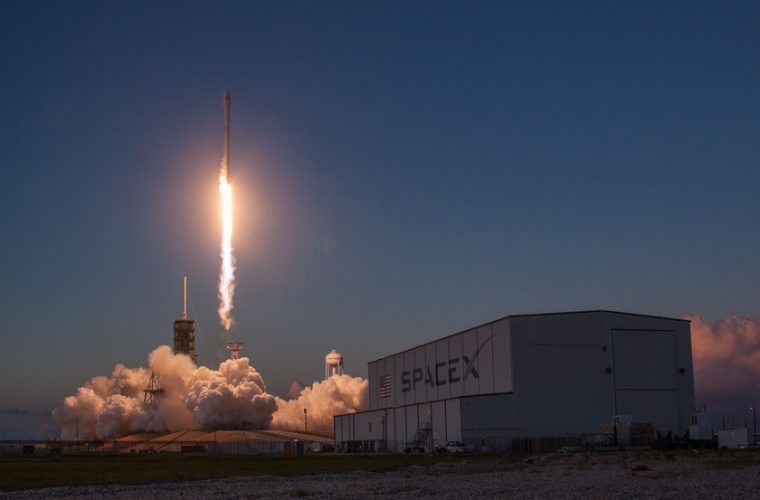 SpaceX to build floating spaceports