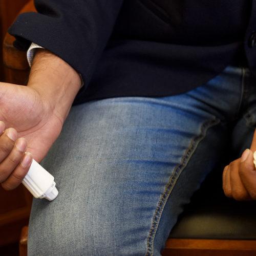 Engineers create reusable EpiPen