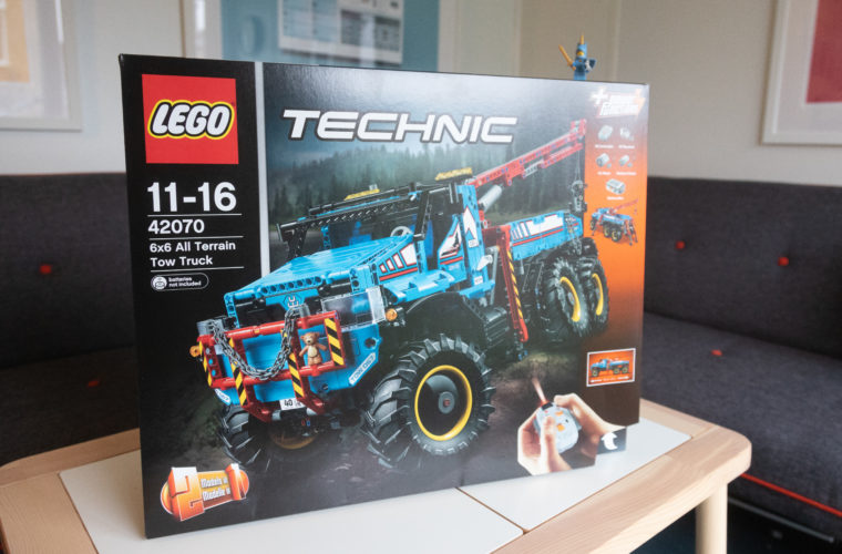 Win – LEGO Technic 6 x 6 All Terrain Remote Control Tow Truck 42070