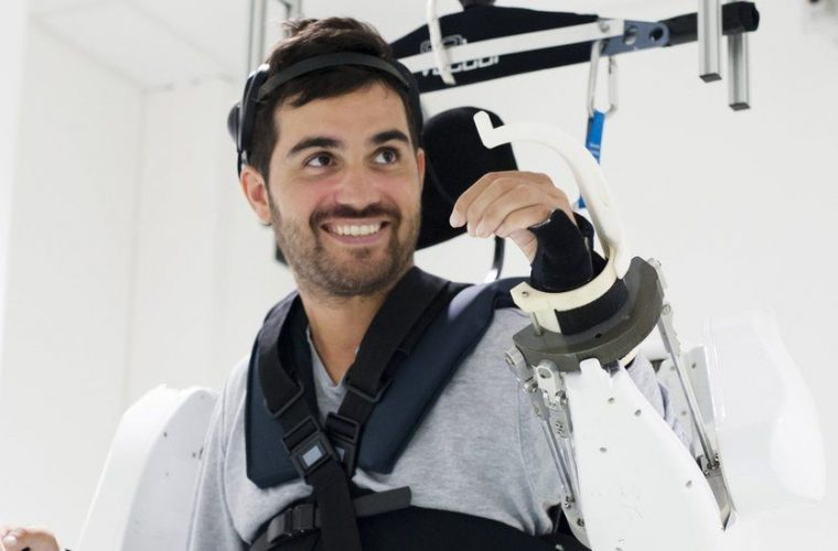 French Engineers help paralysed man to walk again with brain implants
