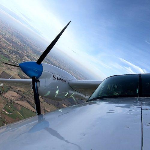 Hybrid aircraft completes test flight