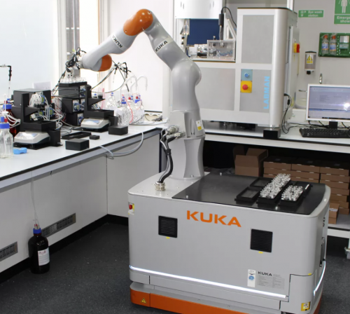 Robotic assistant performs 668 lab experiments in 8 days