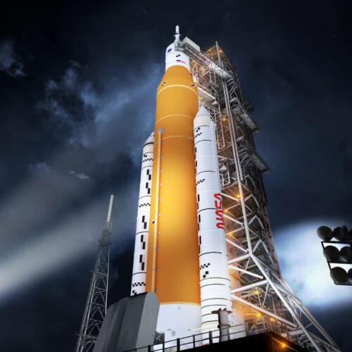 Infographic - How is NASA assembling its huge SLS rocket?